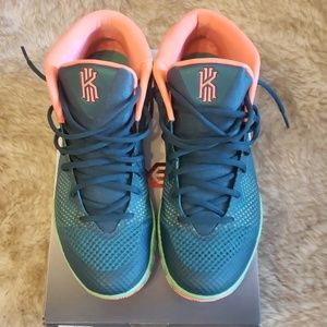 Nike Kyrie 1 flytrap